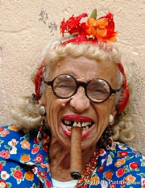 funny-grandmother-old-age-women-chikni-chameli_zps4aeuooq0
